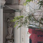 Statuie pe str. Biserica Amzei