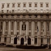 Gira comunista de Bucarest con comida